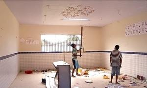 Adultos e crianças depredam escola municipal de Parnamirim, no RN
