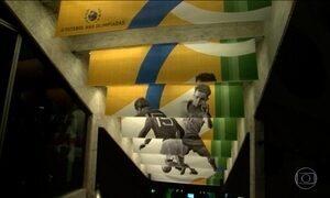 Luta do futebol brasileiro por medalha de ouro olímpica é tema de exposição