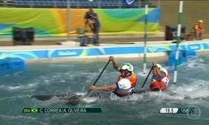 Dupla brasileira fica em 11º lugar e não passa para final da canoagem slalom