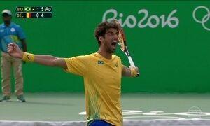 Tênis brasileiro vence nos torneios simples e de duplas mistas