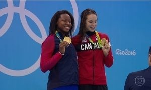 Natação feminina tem novo empate, o segundo na Rio 2016