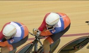 Britânicos dominam ciclismo na estreia