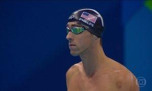Michael Phelps conquista sua 27ª medalha olímpica numa noite cheia de surpresas