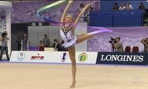 Ginástica rítmica inicia competições e tem brasileiras na luta por medalhas