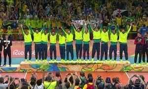 Brasil volta a conquistar o ouro no vôlei masculino depois de 12 anos