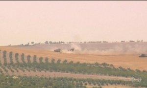 Turquia envia mais tanques para a fronteira com a Síria