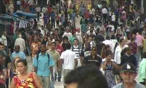 Quase 12 milhões de pessoas estão à procura de emprego, segundo IBGE