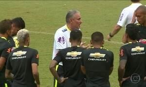 Brasil se prepara para enfrentar a Colômbia pelas eliminatórias da Copa