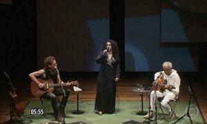 Gilberto Gil, Gal Costa e Nando Reis fazem show em homenagem ao político