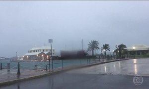 Furacão Nicole está próximo às Ilhas Bermudas e preocupa moradores