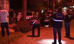 Dois adolescentes morrem ao serem atingidos por tiros de encapuzados em Porto Alegre