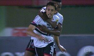 São Paulo derrota o Fluminense e respira no Brasileirão