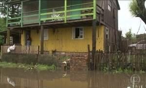 Após chuvas, 400 pessoas ficam desalojados e uma desaparece