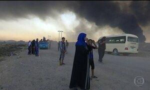Terroristas do Estado Islâmico incendeiam fábrica que libera gás tóxico no Iraque
