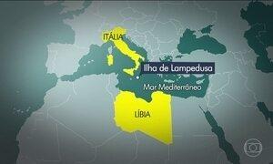 Cerca de 240 refugiados morrem afogados em dois naufrágios