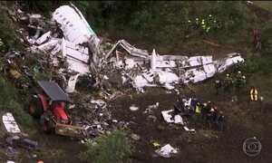 Especialistas analisam manobras finais do voo que acabou em tragédia