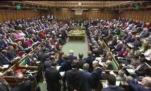 União Europeia dá até março para Reino Unido iniciar saída do bloco