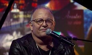 Guilherme Arantes comemora 40 anos de carreira no palco do Fantástico