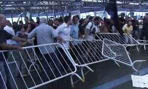 Ato contra morte de ambulante no metrô de SP termina em confusão