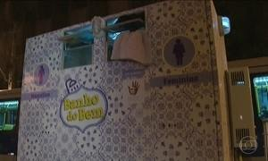 Voluntários ajudam moradores de rua a ter acesso a banho de chuveiro