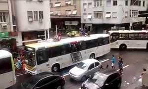 Fantástico vai mostrar imagens inéditas de arrastão em ônibus no Rio de Janeiro
