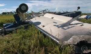 Avião com mais de 300kg de pasta base de cocaína cai na divisa entre PR e MS