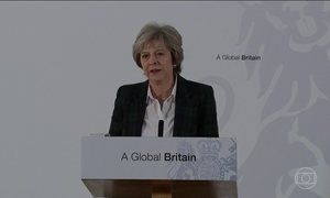 Theresa May diz que Brexit será votado no Parlamento