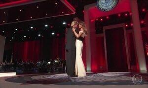 Donald Trump e a esposa Melania vão à três bailes em Washington
