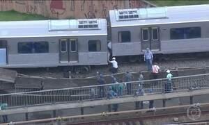 Trem descarrila e provoca confusão na linha vermelha do metrô
