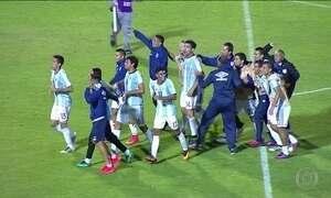 Time argentino chega atrasado e sem uniforme para jogo da Libertadores
