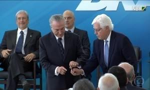 Juiz manda suspender a nomeação do ministro Moreira Franco