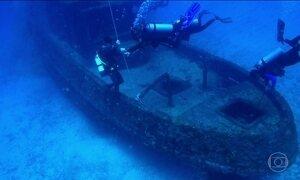 Cemitério de navios velhos afundados vira atração turística