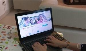 Redes sociais são usadas para oferecer carona nas estradas do país