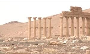 Rússia mostra monumentos destruídos pelo Estado Islâmico em Palmira, na Síria.