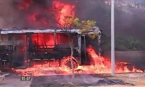 Dez ônibus são incendiados em Minas Gerais