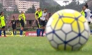 Clubes de futebol precisarão ter times femininos em dois anos para participar de competições