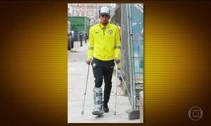 Gabriel Jesus fica longe do futebol por até três meses devido a contusão
