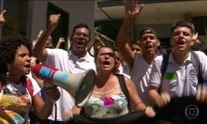 Estudantes de escolas técnicas do Rio de Janeiro sofrem com a crise