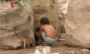 Crianças são flagradas em lixão em Pernambuco