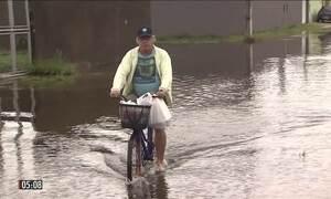 Chuva provoca transtornos no litoral sul de SP