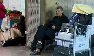 Turista alemão que vive no aeroporto internacional de São Paulo está ilegal no Brasil
