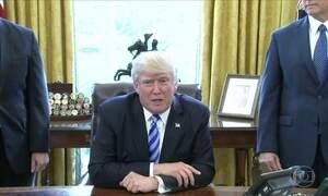 Governo de Trump retira projeto de lei que reformava o sistema de saúde nos EUA