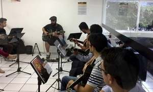 Escola de música de Brasília funciona como uma academia