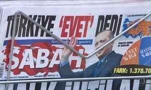 """Turquia diz """"Sim"""" em referendo que muda sistema de governo"""