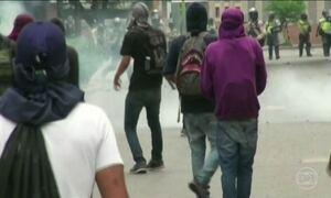 Chega a 13 o número de mortos na Venezuela depois de mais uma noite de conflitos