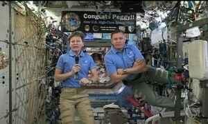 Astronauta americana quebra o recorde de permanência no espaço