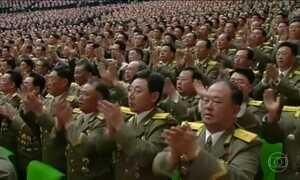 Coreia do Norte celebra 85 anos do Exército com demonstração de força militar
