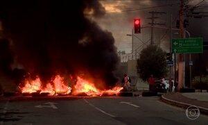 Várias rodovias brasileiras têm trechos bloqueados