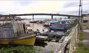 Cheia do Rio Negro deixa Manaus em alerta