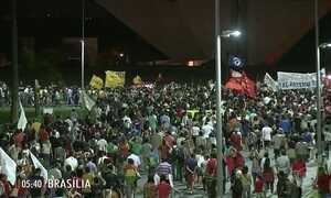 Manifestantes pelo país pedem a saída do presidente Michel Temer